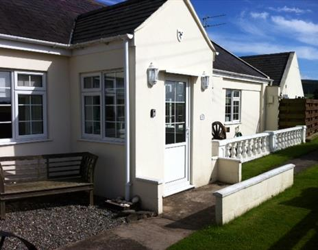 Two bedroomed cottage sleeps 4+ people